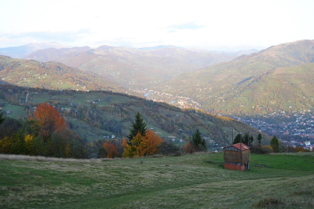 пейзаж осінь в карпатах