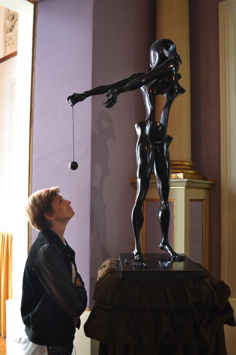 dali-sculpture-figueres