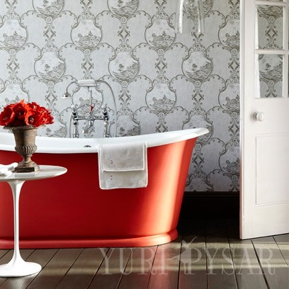 3-1377697193-red-roll-top-bath-in-grey-bathroom__square