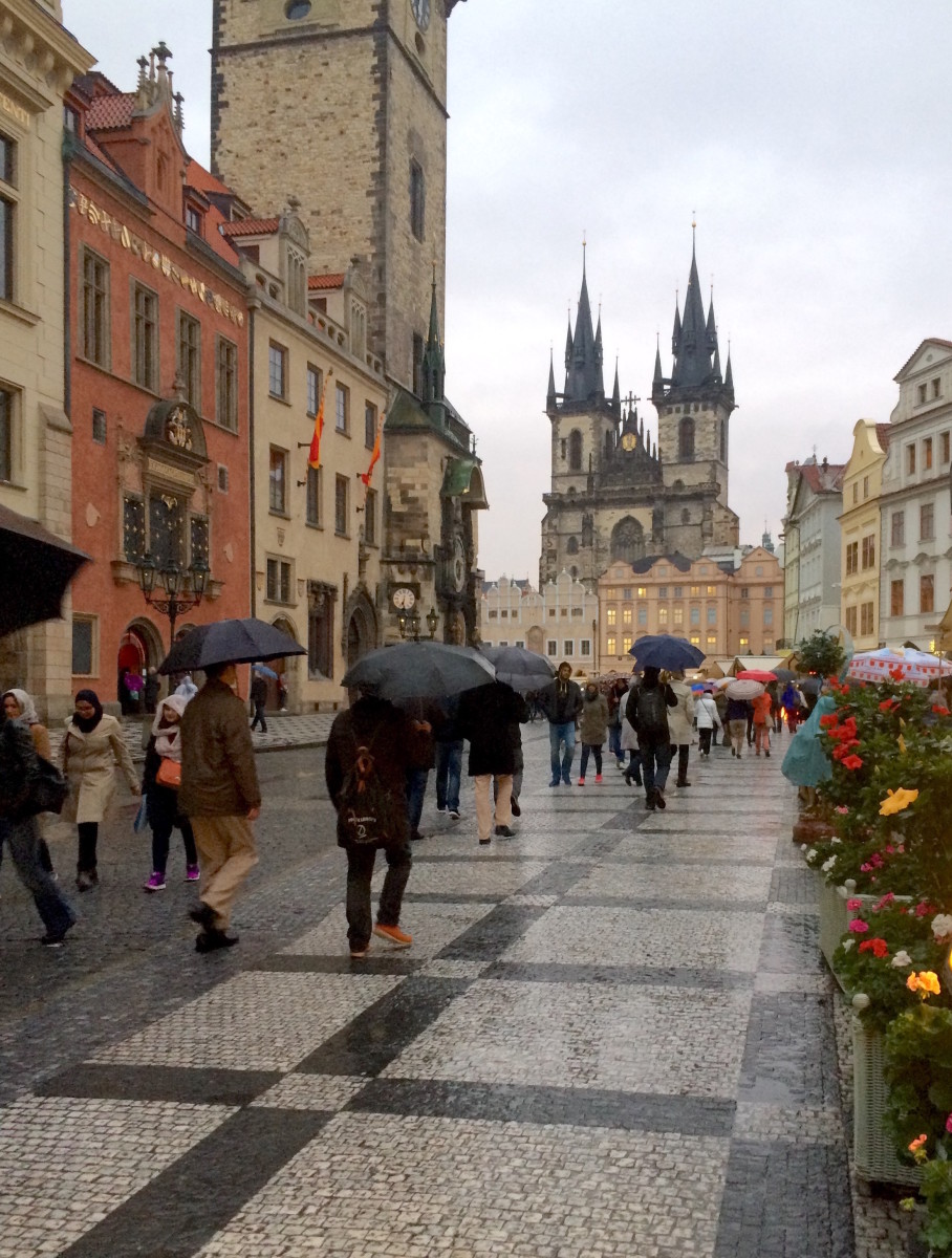 main-old-square-prague